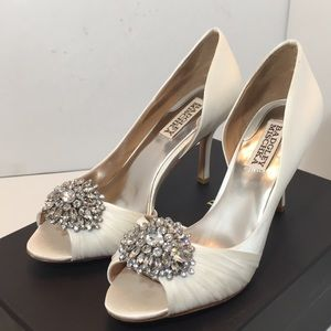 Badgley Mischka White Satin Bridal Heels Pumps